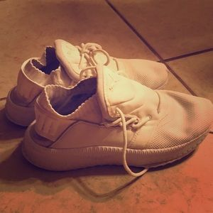 White puma sneakers size 10 women's